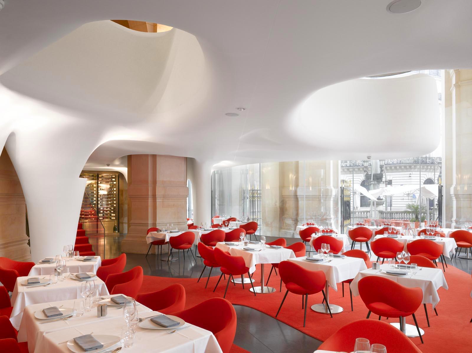 EG: Restaurant