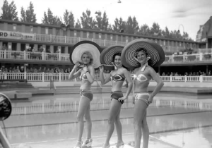 Présentation de Maillot de bain piscine de Molitor 1951