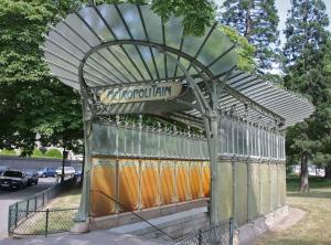 Entrée métro Porte Dauphine par Hector Guimard