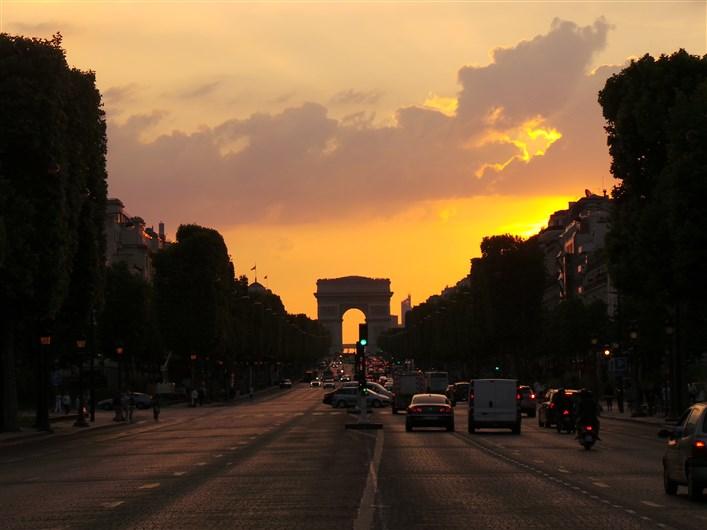 Avenue des Champs-Elysées_Paris 8e_240614